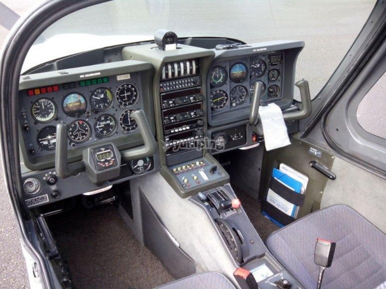 Avioneta con doble mando
