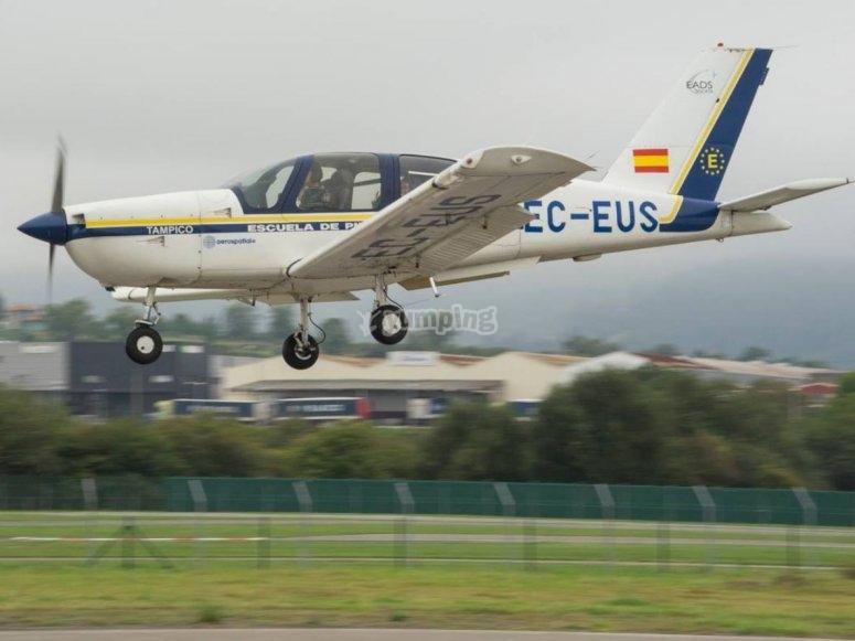 Avioneta en el Aerodromo de La Morgal