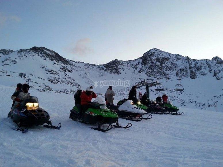 Expedicion en motos de nieve en Andorra