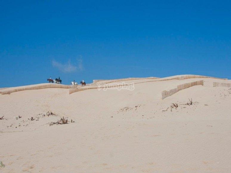 por las dunas