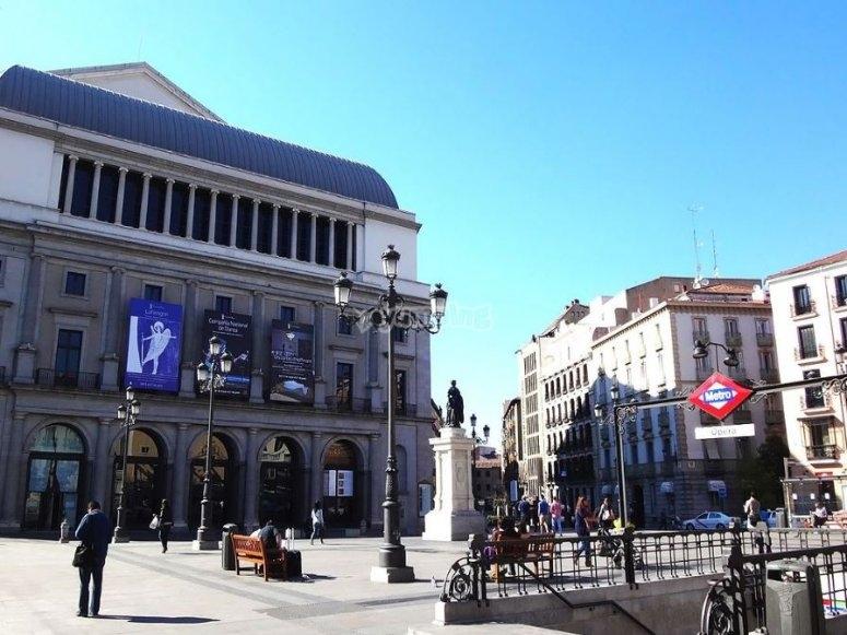 Plaza de Isabel II en Madrid
