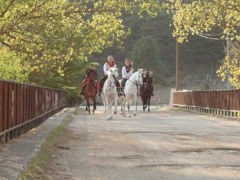 Haciendo una ruta a caballo