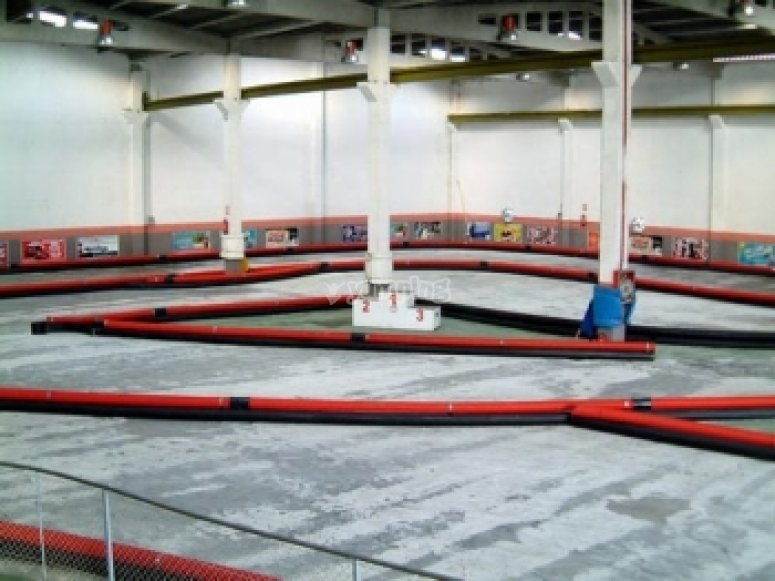 Indoor go-karting circuit