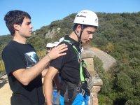 Salto puenting en el Puente de Arquijas en Zúñiga