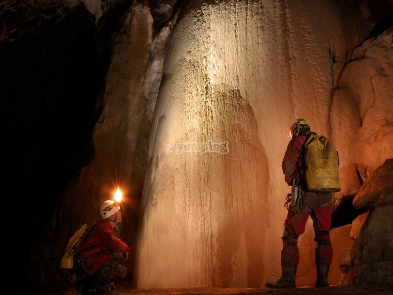 Caving in Laminetako