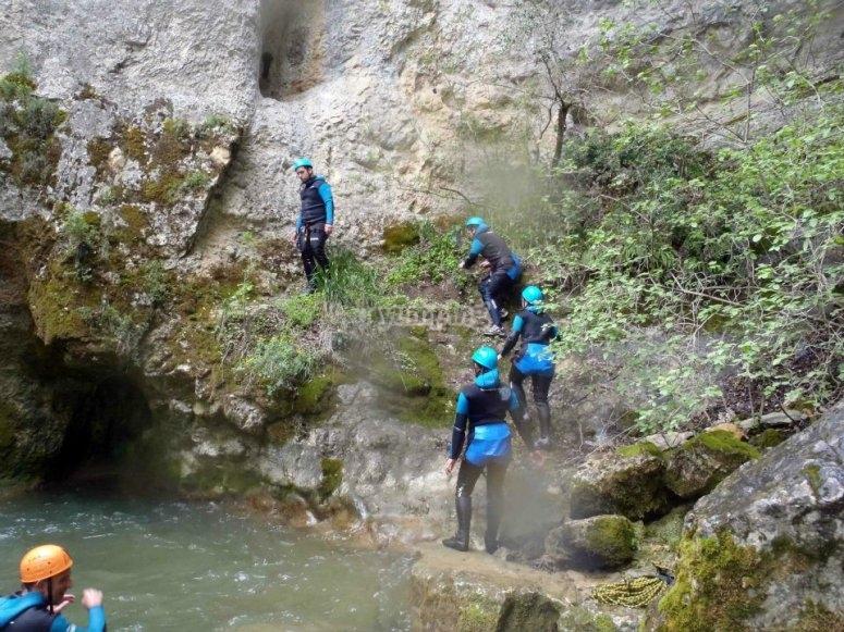 Preparandonos para el salto en el barranco