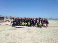 Gruppo di studenti di surf