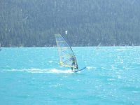 Haciendo Windsurfing en Mataro