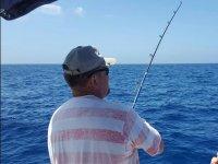 Probando la pesca desde el barco