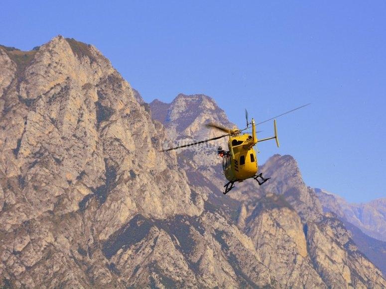 Guía rápida de primeros auxilios en la montaña - Servicios de Emergencia