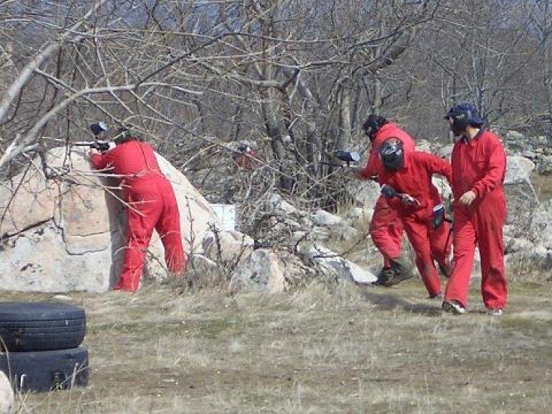 Equipo Rojo preparando el asalto
