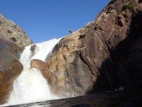 barranco con cascada