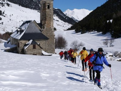 Lleida的雪鞋游览。 8小时