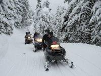 Ven a montar en moto de nieve