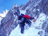 攀登高山滑雪
