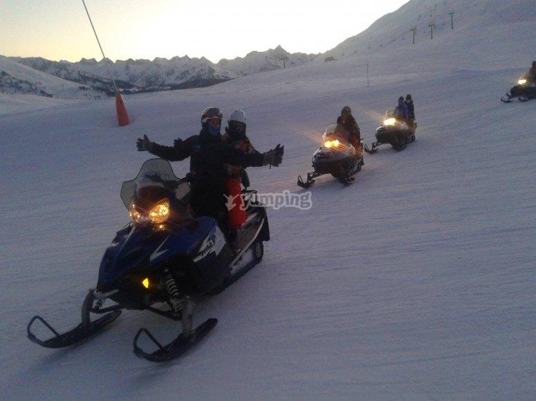 Montar en moto de nieve