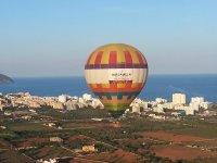 Ride on a balloon, Mallorca + photos+ cava