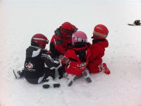 Peques compartiendo experiencia en la nieve