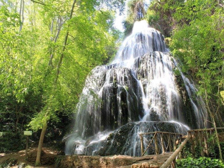 Cascada en ruta del Monasterio de Piedra