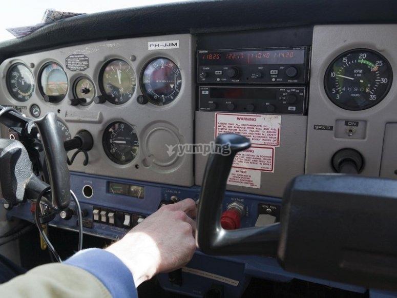 Panel de mandos de la aeronave