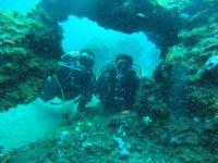 Asomados en el fondo marino