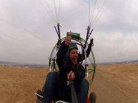 举行了欢送在瓜达拉哈拉滑翔伞原单