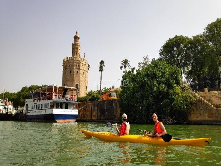 La Torre del Oro desde el kayak