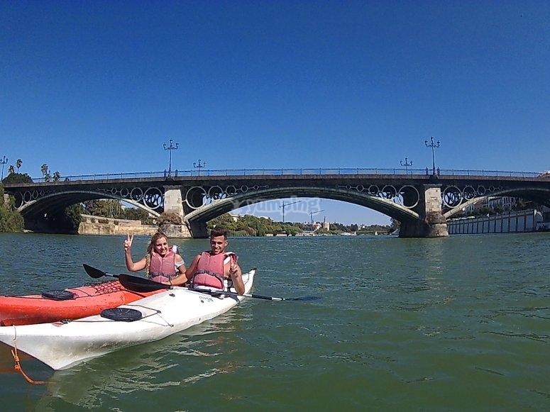 Día de kayak en pareja por Sevilla