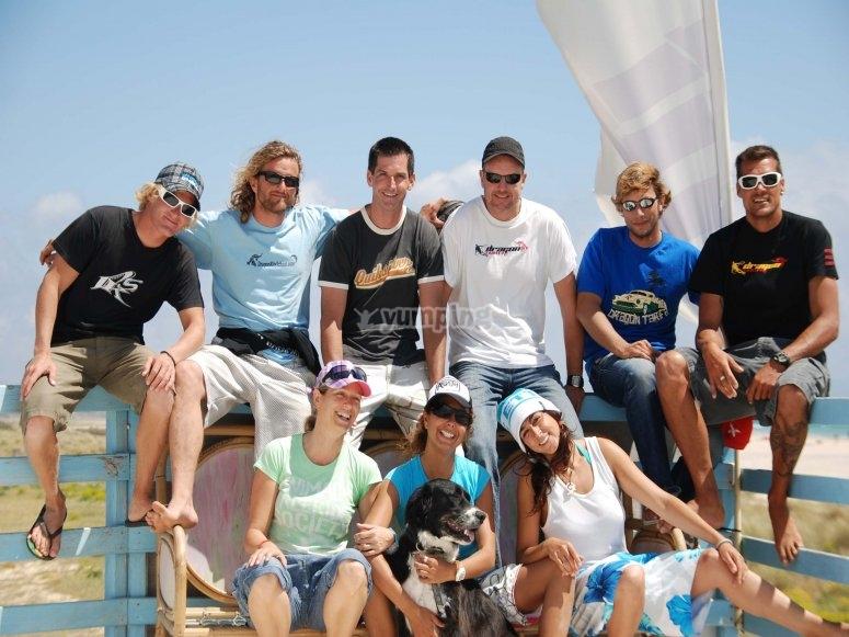 Dragon team, chiringuito Waves
