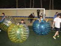 Estrenando campo de bubble soccer
