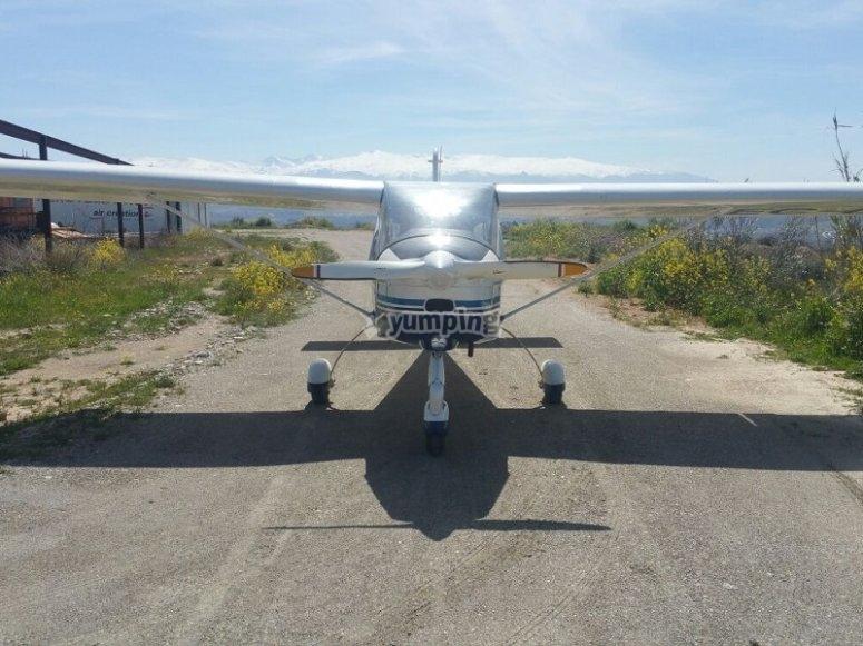 Aircraft flight in Granada