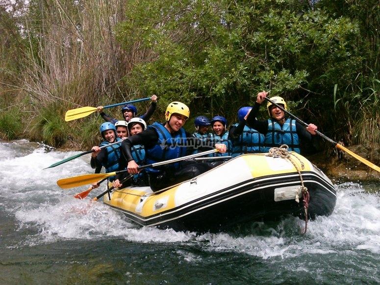 A bordo de la balsa en el rio Cabriel