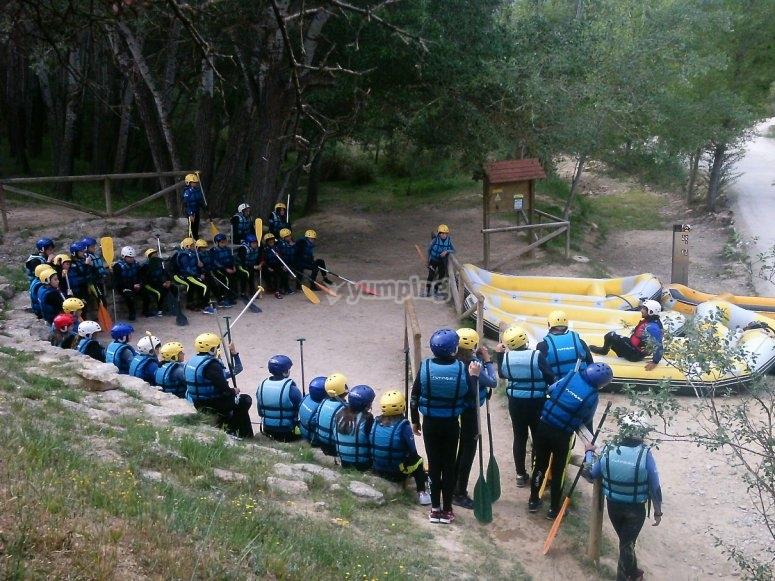 Preparando la sesion de rafting