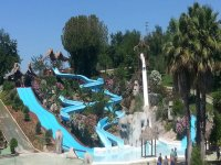 Toboganes hasta la piscina en Cordoba