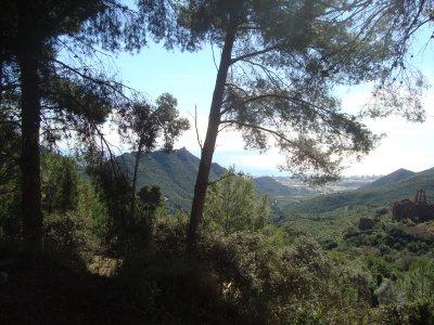 在Las Agujas deSantaÁgueda的远足径