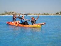 Diversión a bordo del kayak