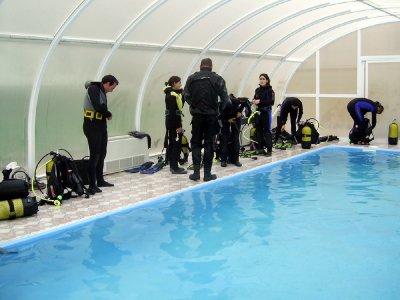 Bautismo de buceo en piscina en Fisterra