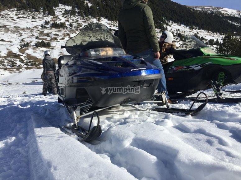 Moto de Nieve en la nieve de Andorra