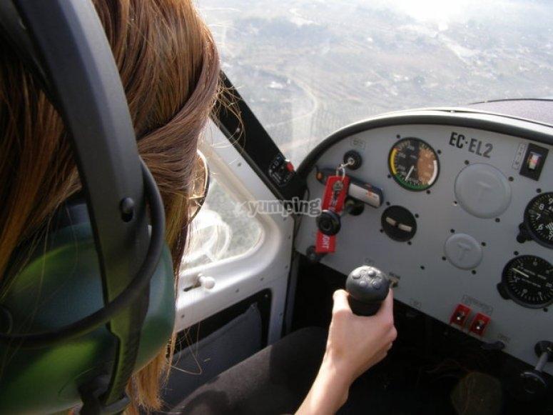 Pilot a microlight