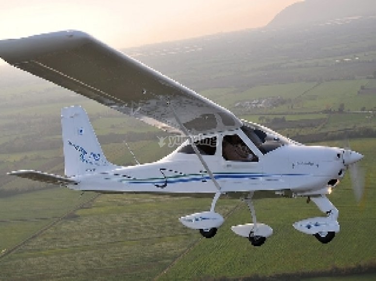 Flying on a microlight in Alcocer