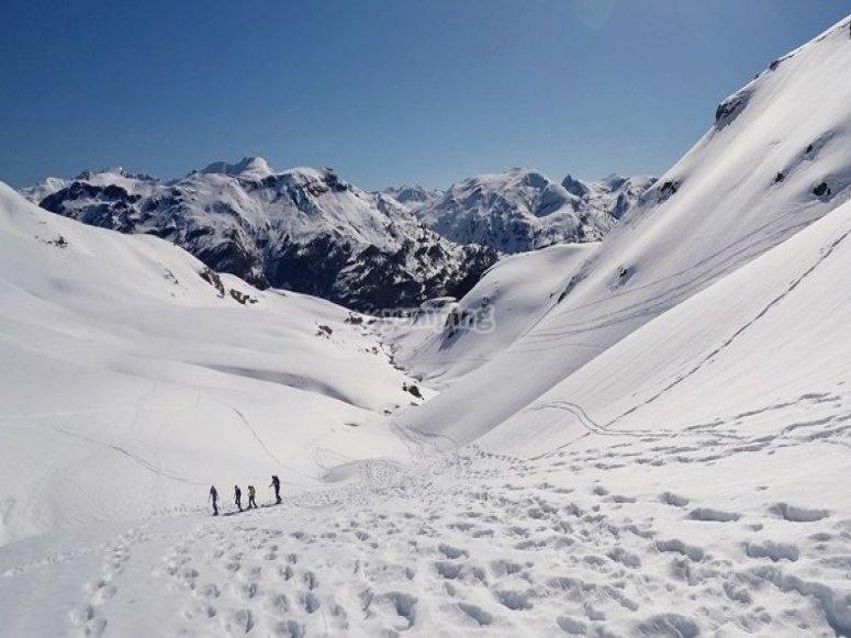 /tb_5-rutas-de-raquetas-de-nieve-por-el-pirineo-aragones-ibon-de-estanes.jpg