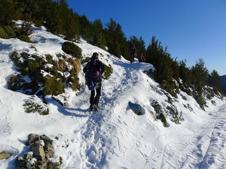 /tb_5-rutas-de-raquetas-de-nieve-por-el-pirineo-aragones-mondoto.jpg