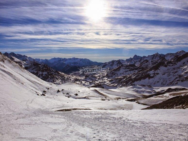 /tb_5-rutas-de-raquetas-de-nieve-por-el-pirineo-aragones-peyreget.jpg