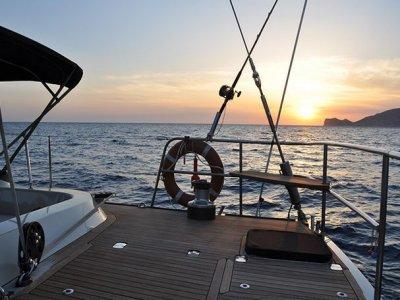 Valencia Corporat e Sail Paseos en Barco