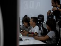 学生在首都玩电子竞技