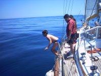 Peque saltando al mar
