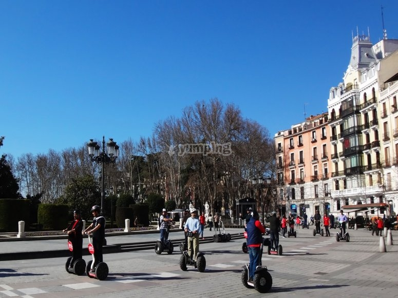Segway en la Plaza de Oriente
