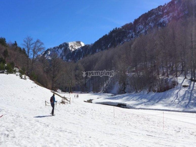 /tb_rutas-para-practicar-raquetas-de-nieve-en-el-pirineo-aragones-con-ninos-linza.jpg
