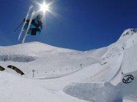跳台滑雪滑雪