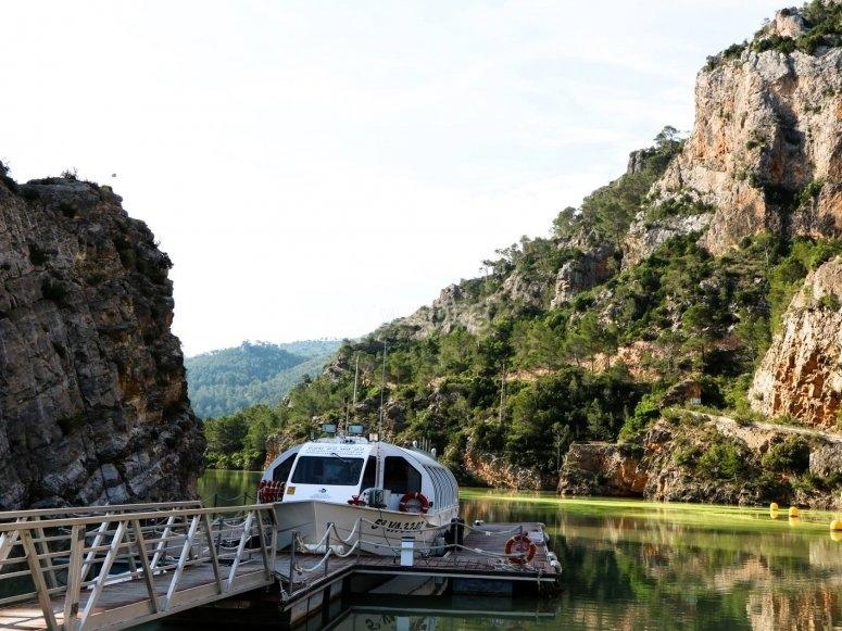 River cruise throgh the Júcar canyon